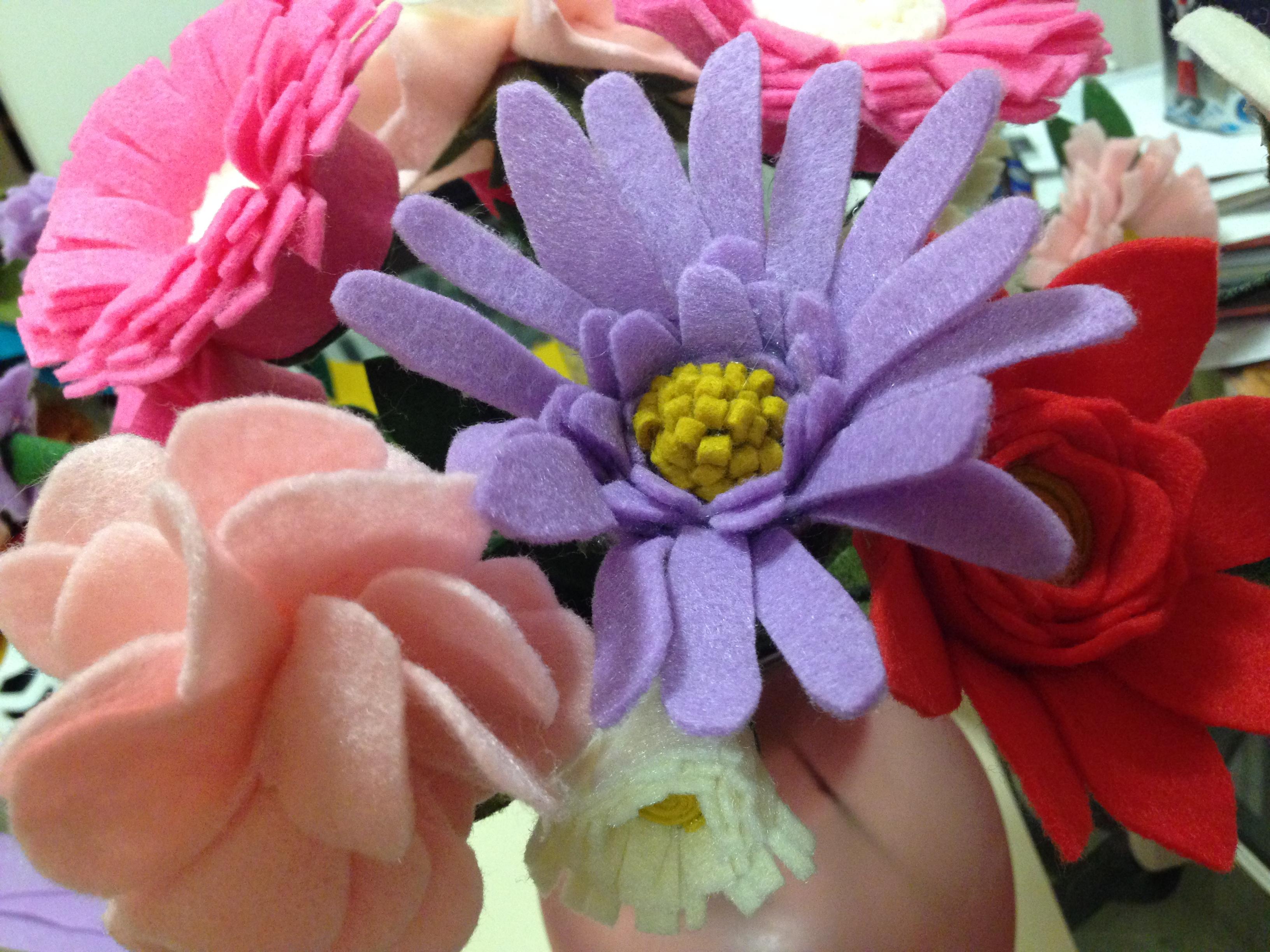 Felt flower bouquet tutorial mommy like whoa